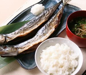 秋刀魚の一夜干し