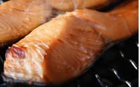 釧路近海産「旨塩秋鮭」